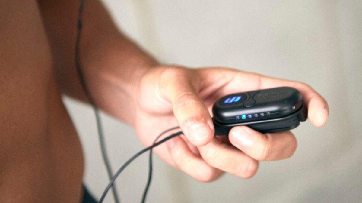 Módulo de eletroestimulação muscular diPulse SMARTSTIM em utilização